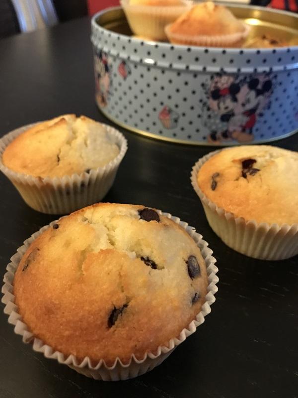 Photo de muffins à la noix de coco avec des pépites de chocolat